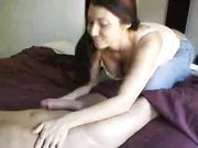 Freundin macht Oralsex und schluckt das Sperma
